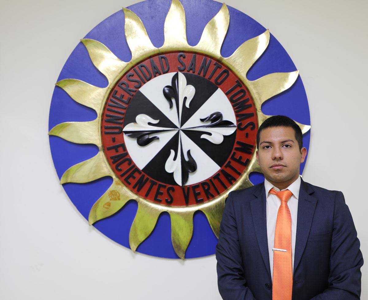 Andres Strong leguizamon