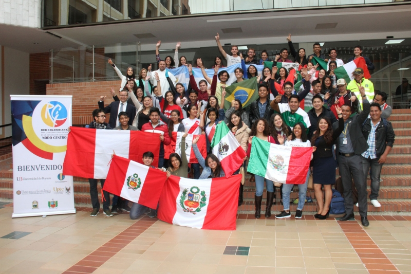 For a Tunja without borders, young exchangers gathered at the Santo Tomás University