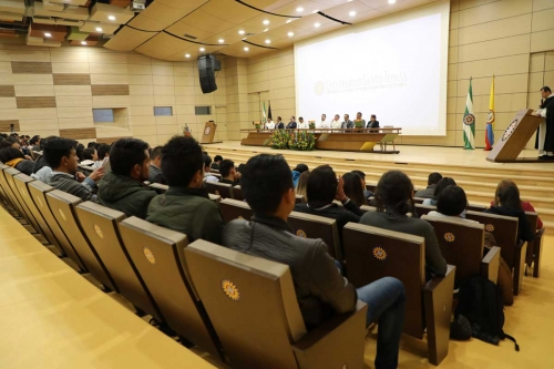 The Seventh International Congress of Civil Engineering, received near 550 people